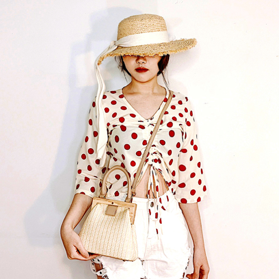Oswego Straw Bag 2019 New Fashion Wooden Clip Women Shoulder Bag Summer Travel Beach Bag Luxury Handbags Women Bags Designer 9