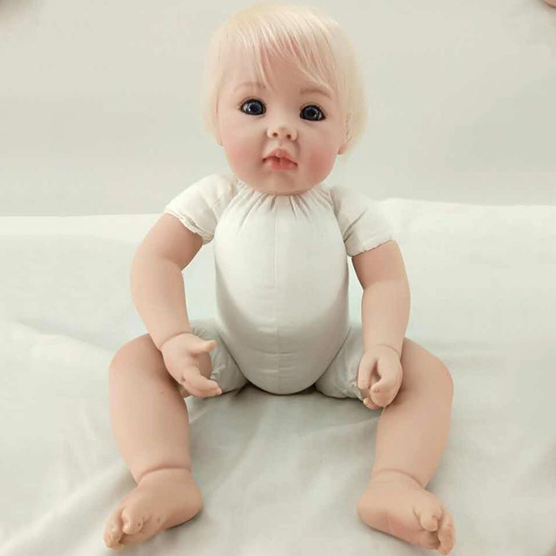 цена 2017 Cotton Body Reborn Dolls Baby Play Toy Girl Dolls 50cm Soft Doll Reborn Baby Lovely Brinquedos Babies Born Alive Gift