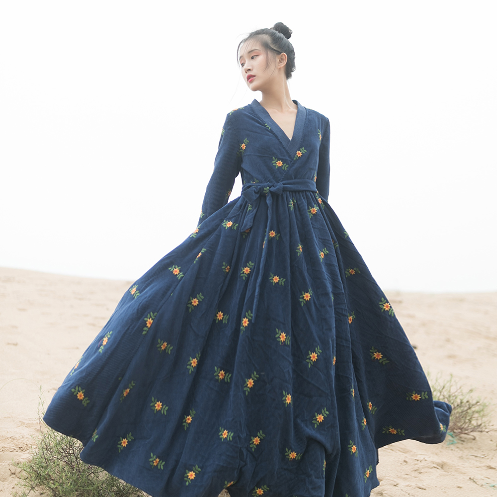 MM197 Nouveautés Automne 2017 Style chinois col v ceinturée à manches longues maxi grand fond vintage velours côtelé brodé robe