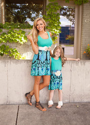 2017 summer mother and daughter dresses floral print mommy and me clothes family matching outfits sleeveless.jpg 250x250