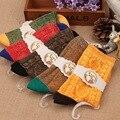 Calcetines de las mujeres 2014 nuevo invierno cálido hechizo líneas gruesas de la moda retro de color en calcetines Envío Libre