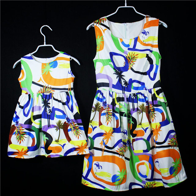 Marca de verano estampado geométrico A-line niños chicas holiday beach dress kids faldas Sin Mangas jumper vestidos de madre e hija
