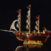 QIFU New Arrive Mediterranean Style Sailboat Shape Home Decoration for Jewelry Stand