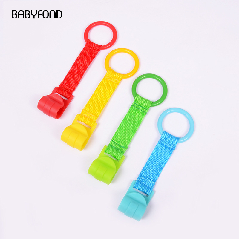 Купить с кэшбэком babyfond 4pcs/lot  ring for playpen Baby crib hooks general use hooks baby toys  bed rings hooks  Universal Ring Help Baby Stand
