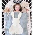 Cobertor do bebê Rosa Coelho Bonito Branco Cinza Para Cama Sofá Crianças Cobertor de lã Colcha de Mantas Toalhas de Banho Esteira do Jogo Do Presente 73*105