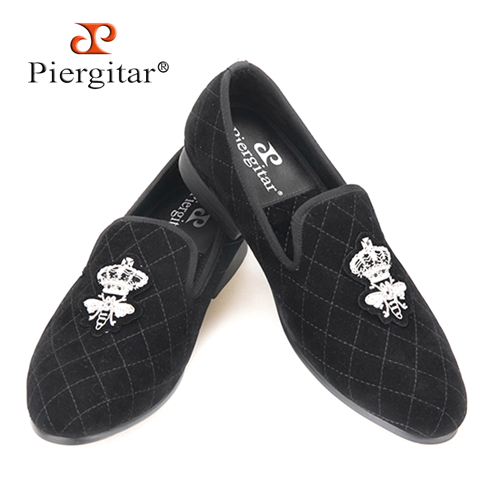 Handcraft men stitching plaid velvet shoes with Luxurious Silver bee embroidery Party Prom and Banquet men loafers men's flats piergitar 2016 new india handmade luxurious embroidery men velvet shoes men dress shoes banquet and prom male plus size loafers