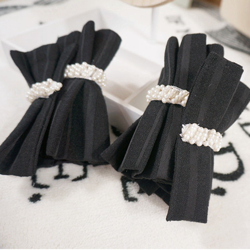 OL High Black Stripe Pleated Fake Fantasy Round Dance Pleated Warm Soft Gloves Mysterious Accessories Small Floral Fragrance