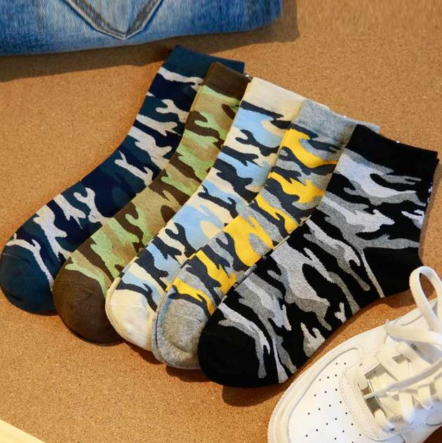 New Autumn And  Winter Cotton Men Mountaineering Socks Wholesale Classic Couples In Camouflage Cotton Tube Men Socks 5 Colors