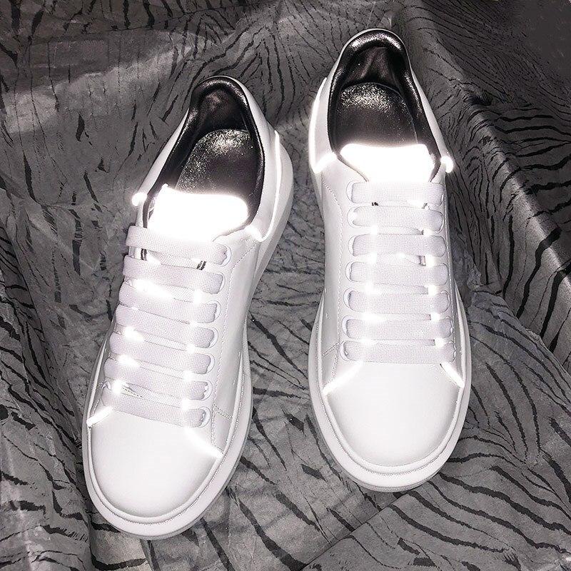 Sapatas das senhoras sapatos de design de luxo branco refletivo aumento high-end da moda em couro sapatos casuais de esportes das mulheres luminosa selvagem esponja