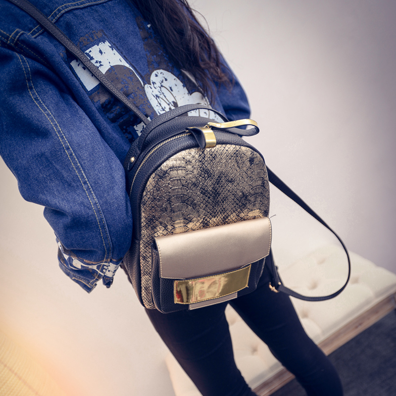 2019 Golden Snakeskin Design Women's Backpacks Serpentine Women Fashion Backpack European Style Bags For Girls Ladies Travel Bag