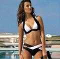 El nuevo color blanco y negro europeo femenino Bikini reunir dividida traje de baño Bikini sexy colores mezclados