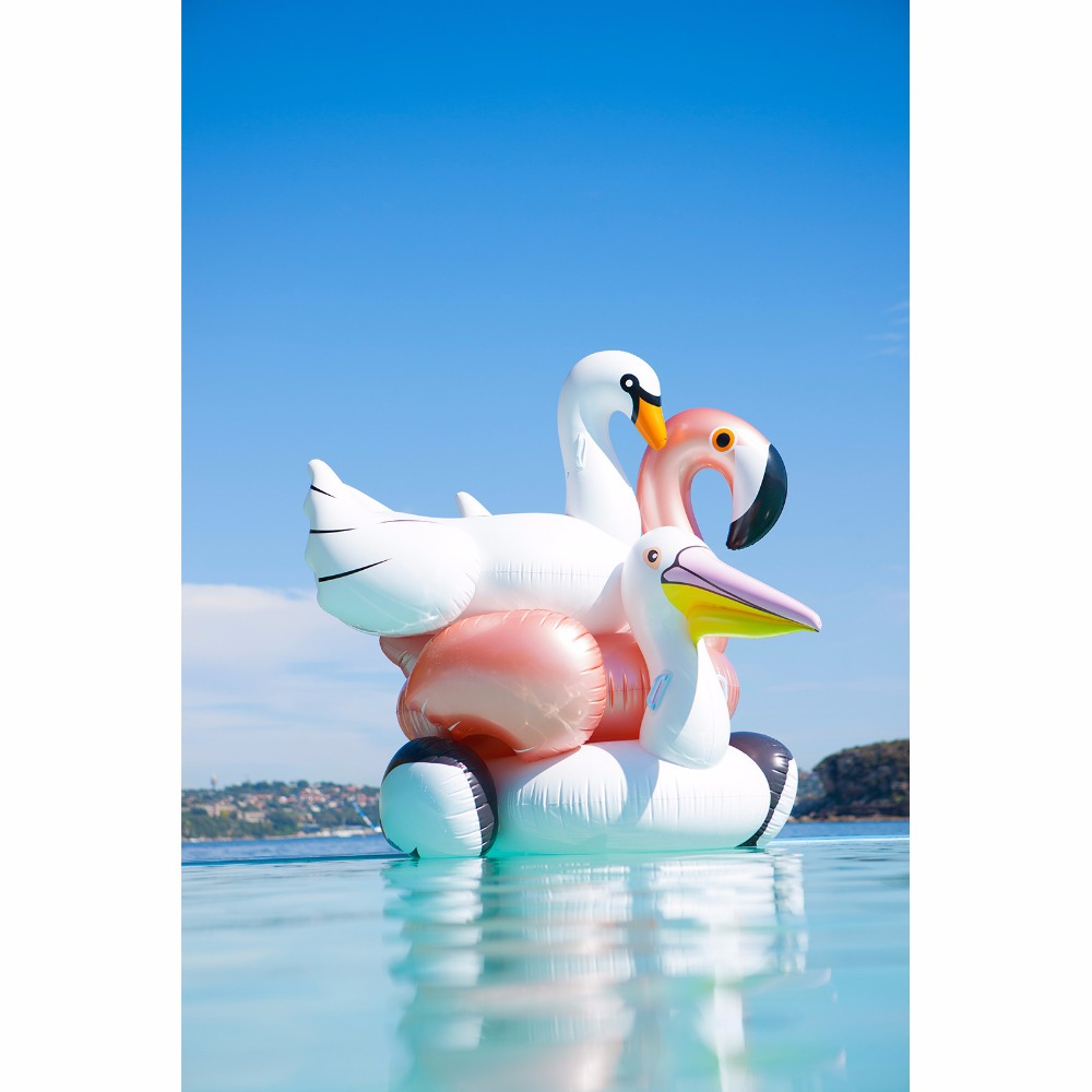 inflatable-sunnylife-luxe-pelican-4