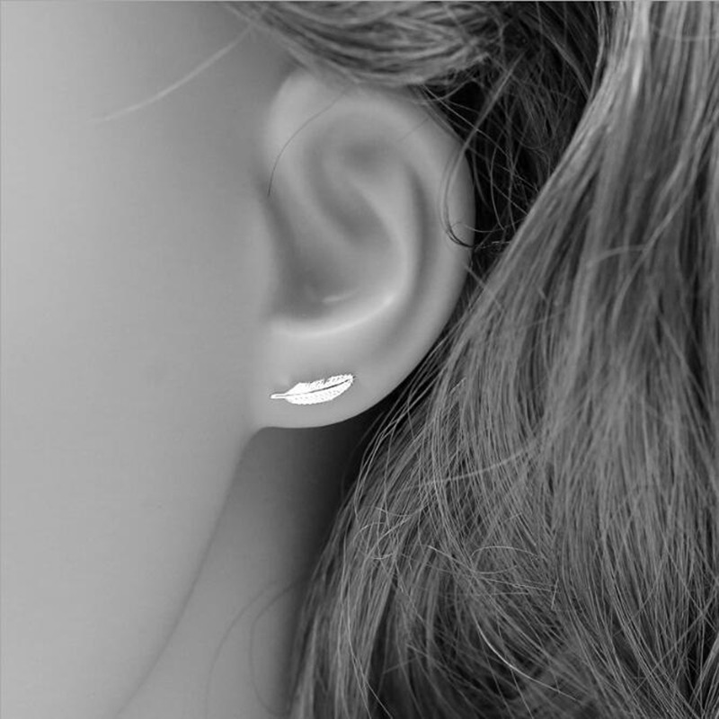 New Element Mini S925 Sterling Silver Fashion Female Small Feather Wild Exquisite Personality Popular Earrings   SE103 monochrome