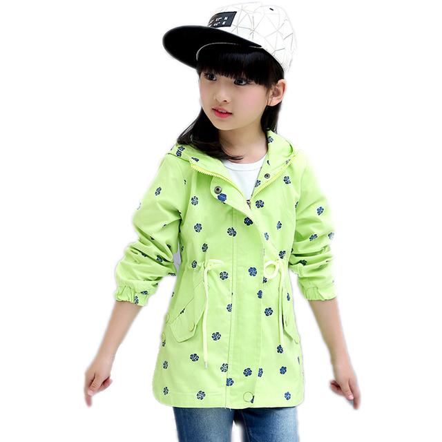 Niñas chaquetas de primavera 2017 nueva moda medio largo impreso floral abrigo de manga larga con capucha de foso de los niños para los niños niñas chaqueta