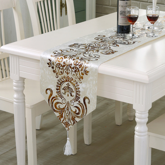 Sunnyrain Luxury Gilding Table Runner And Placemat Sets Table