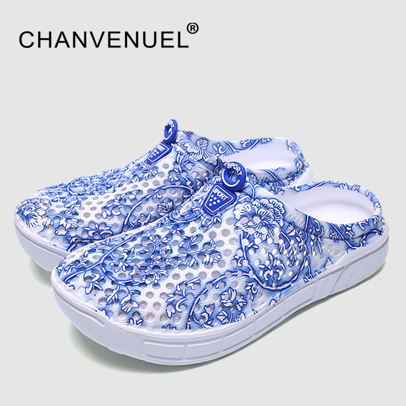 Cheap Sale Summer Women Floral Print Clogs Shoes Beach Breathable Slippers Waterproof Clogs For Women Blue-And-White Mule Clogs free shipping candy color women garden shoes breathable women beach shoes hsa21