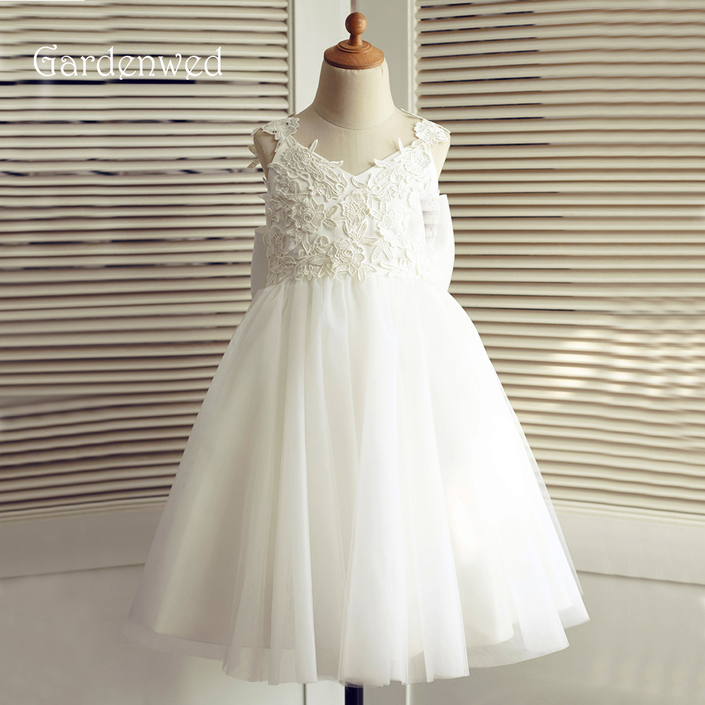 Gardenwed 2019 Big Bow Ivory Lace Flower Girl Dresses Knee Length Pageant Dresses First Communion Dresses Wedding Party Dress