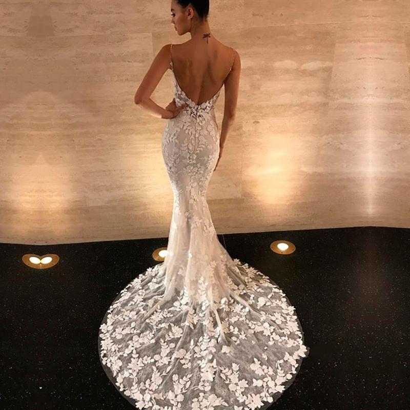 Gorgeous Open Back Lace Prom Gowns 2019 Mermaid Spaghetti Straps Bridal Gowns Free Custom Made Sexy V Neck Maxi Long Dresses