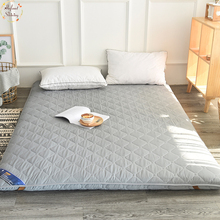 цена Infant Shining 5CM Tatami Mattress Pure Color Thickening Mattress Floor And Bed Mat Sanding Stereo Mattress Multi-size Bed Mat в интернет-магазинах