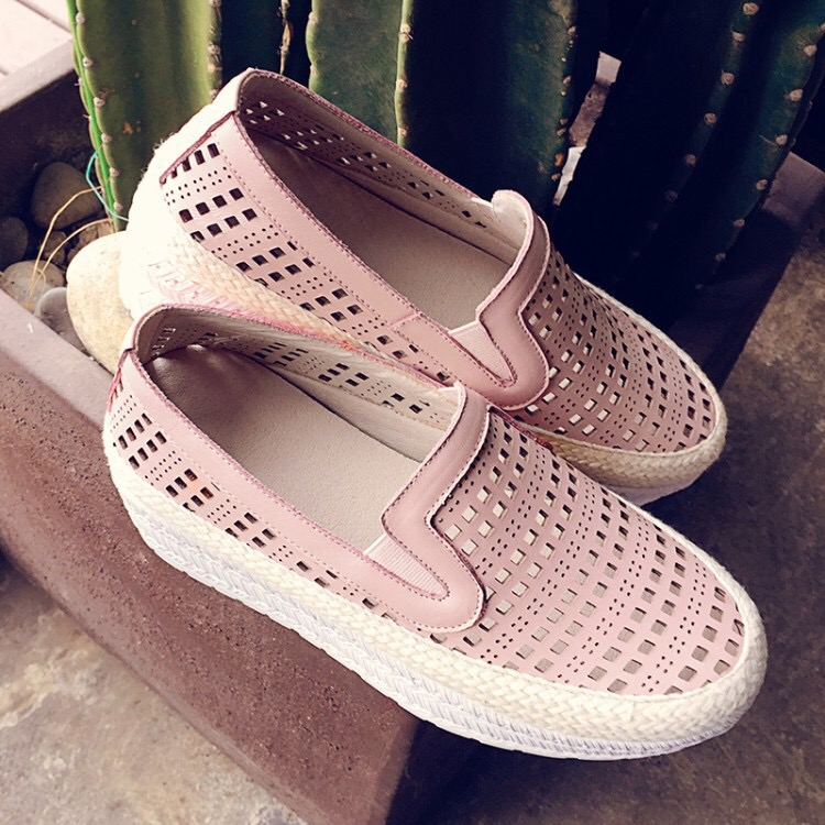 Summer Women Shoes Casual Cutouts Shoes Hollow Breathable Platform Flat Shoe Lady Creepers Lofers Slip on Flats hung yau summer women shoes casual cutouts lace canvas shoes hollow floral breathable platform flat shoe white black size 8