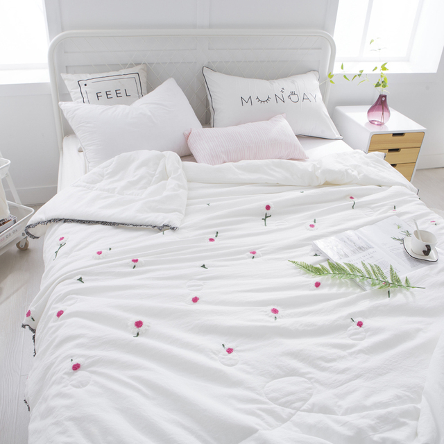 1 Pc Summer Quilt Ambroidered Polyester Bedding Quilts Flower Print