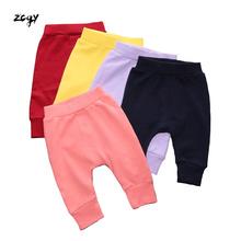Spodnie dla niemowląt Infantil 100 bawełniane spodnie dla niemowląt cukierki kolor czerwony haftowany wzór piękne spodnie PP dla spodni 6M C18 tanie tanio Kids Tales COTTON Na co dzień Elastyczny pas Pasuje prawda na wymiar weź swój normalny rozmiar Pełnej długości Stałe