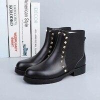 Роскошные Брендовые женские ботинки из натуральной кожи, модные женские ботильоны с заклепками, женские ботинки челси с открытым носком на