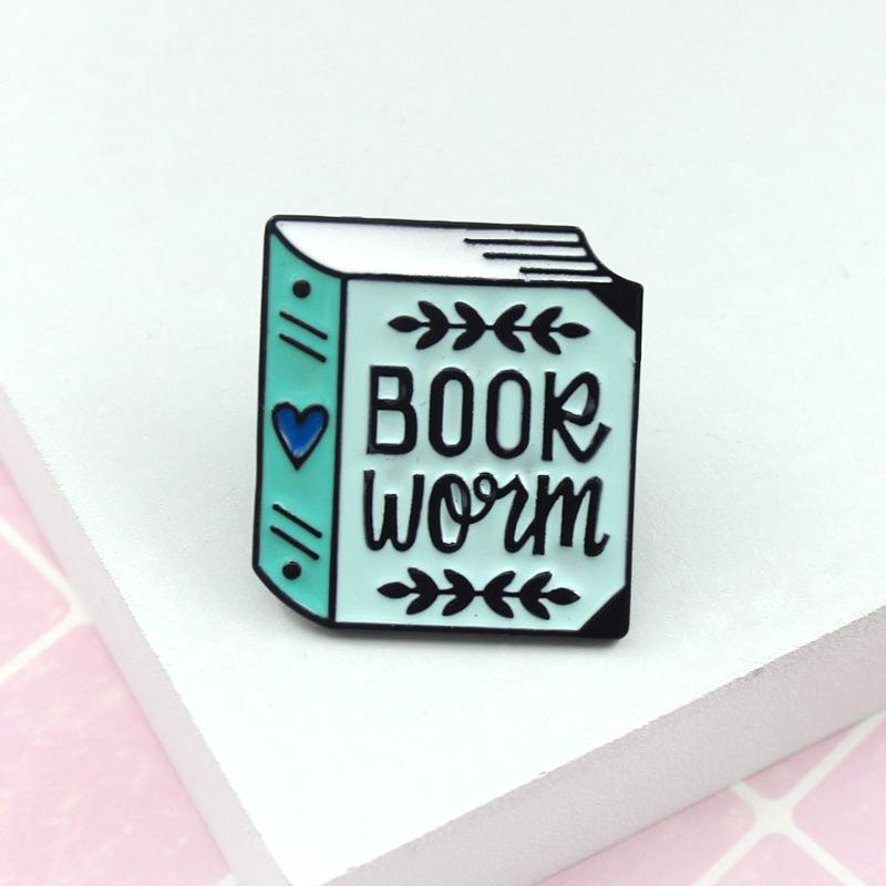 Dessin Anime Livre Bleu Broches Pour Femmes Hommes Coeur Email Epingle Denim Vestes Collier Badge Icone Bouton Pour La Litterature Amoureux Bijoux