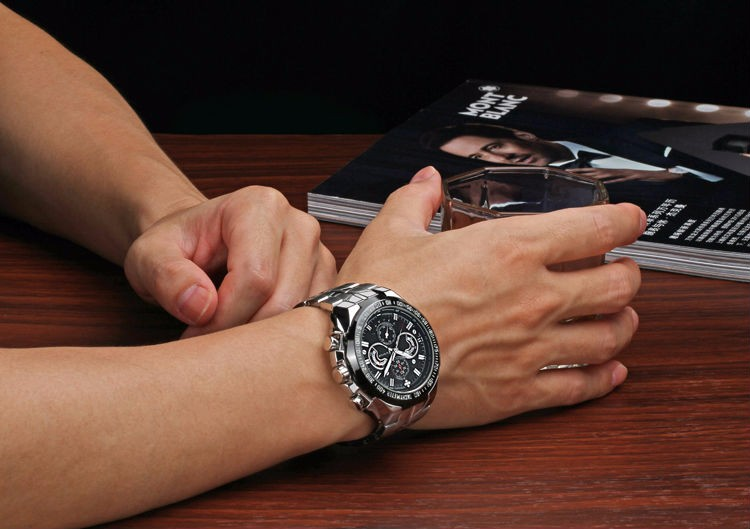 The New WWOOR Luxury Brand Men's Watches Stainless Steel Strap Sports Waterproof Watch Relogio Male Quartz Watch Leisure Watch 7