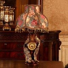 Çift Tavus Kuşu Masa Lambası Avrupa Vintage Kumaş Abajur Reçine Masa Lambası Klasik Yatak Odası Başucu Işık Antika Masa Lambası