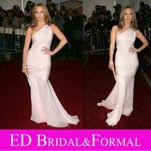 Jennifer Lopez Schulter Kostüm Institut Gala 2006 Red Carpet Kleid