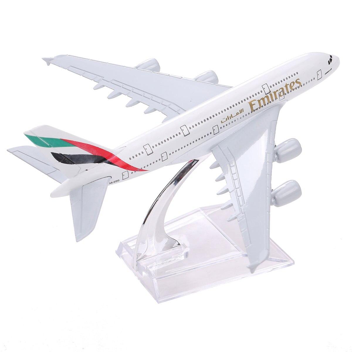 Marque Nouveau Airbus380 Emirates Airlines A-380 Avions Aéroplan 16 cm Moulé Sous Pression Modèle Émirats Arabes Unis A380 Haute Simulation