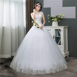 Image 3 - Koreanischen Stil V ausschnitt Spitze Tank Ärmelloses Blumen Druck Ballkleid Hochzeit Kleid 2020 Neue Mode Einfache estidos de noivas CC
