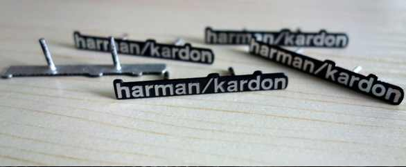 4X harman/kardon 社ハイファイスピーカーオーディオスピーカー 3D アルミエンブレムステレオと 2 ピン 43 × 5 ミリメートル