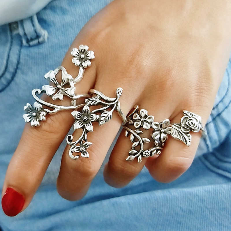 4Pcs/Set Vintage Ancient Silver Sen Vine Leaves Flowers Rose Women Girl Bohemia Antique Silver Rings Floral Knuckle Ring