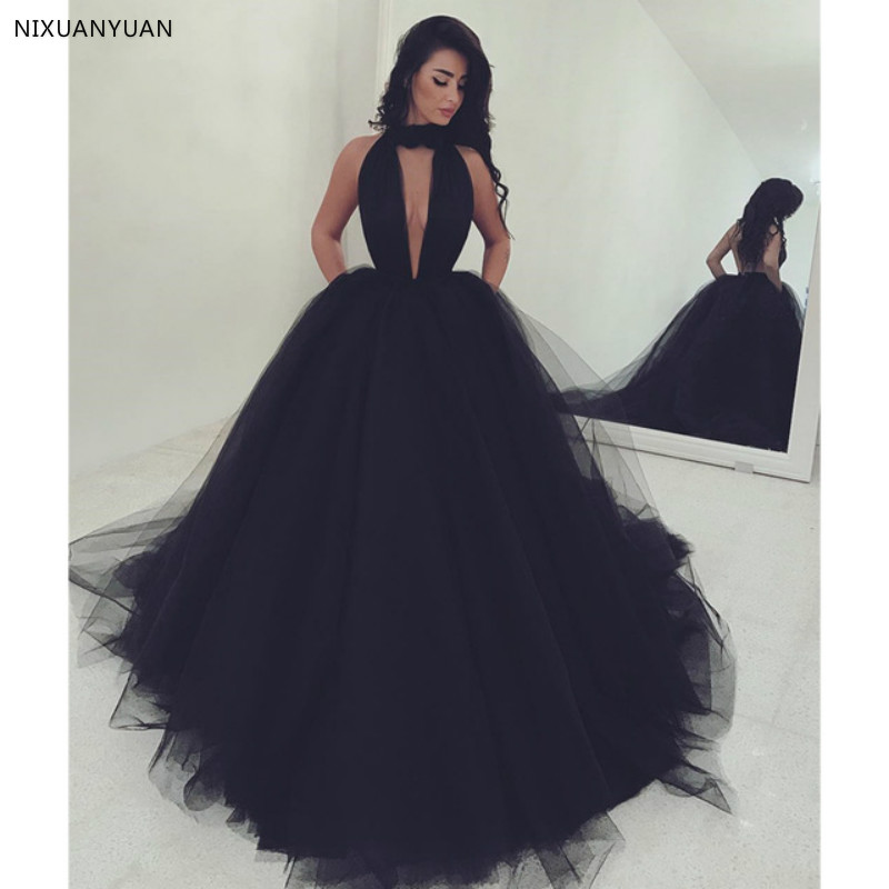 New Arrival Sexy Black Prom Dresses Halter Neck Ball Gown Evening Dress Dubai Arabic Formal Wear Robe De Soiree Open Back