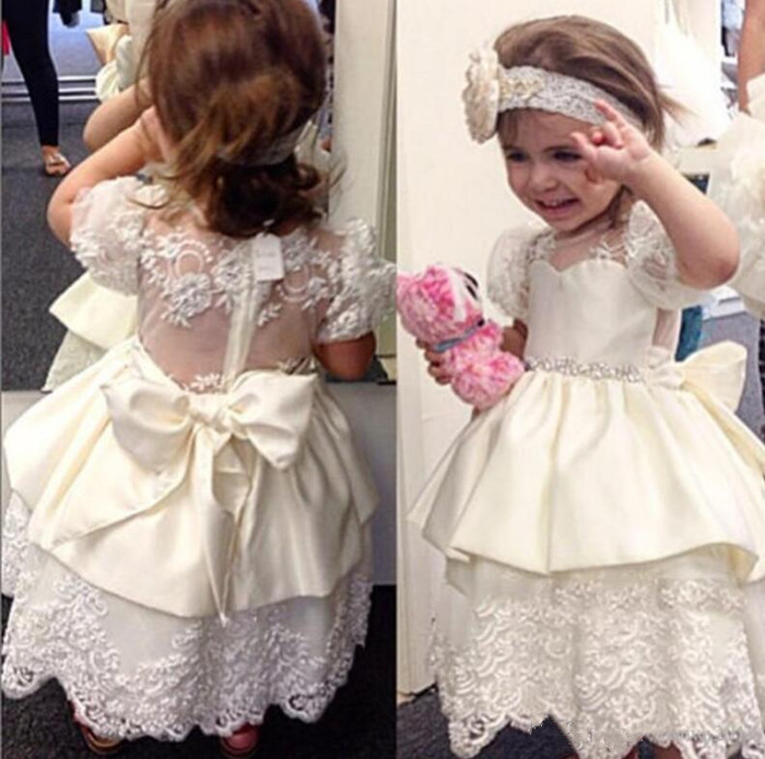 Vintage Cute Flower Girl Dresses For Weddings White Ivory Custom Made Princess Tutu Appliqued Lace with Bow Girls Birthday Gown