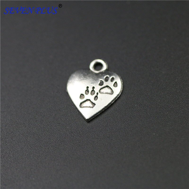 High Quality 20 Pieces/Lot 13mm*17mm Antique Silver Plated Heart Shaped Dog Paw Charms For Jewelry Making