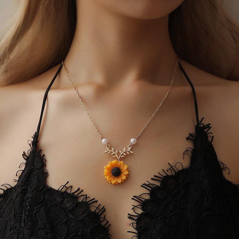 Novo delicado girassol pingente colar para as mulheres criativo imitação pérolas jóias colar roupas acessórios transporte da gota