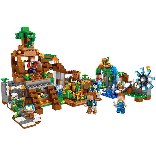 0518 Minecraft 8 In 1 Manor Estate Village House 771pcs Model