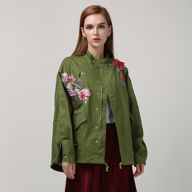 [TWOTWINSTYLE] 2017 Autumn Embroidery All-matched Loose BF Style Stand Color Fashion New Women Jacket Female Coat