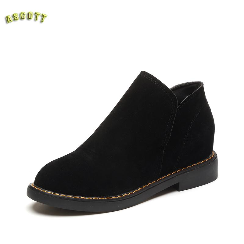 2017 Fall On New Suede Casual Flat font b Shoes b font Fashion People With The
