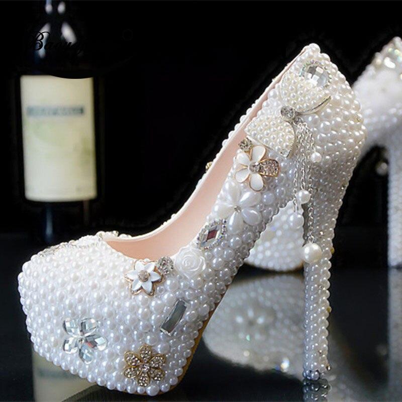 Bao yafang 2019 Nuove Donne di arrivo scarpe da sposa bianco perla Arco vestito dal partito scarpe Da Sposa Donna tacchi Alti della piattaforma di scarpe-in Pumps da donna da Scarpe su  Gruppo 3