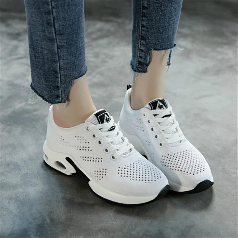 2017 scarpe Da Tennis delle donne fondo Morbido scarpe da corsa estate  cuscino d aria traspirante scarpe Sportive netti donna Da Jogging Walking  Atletica ... 7e06563c01e