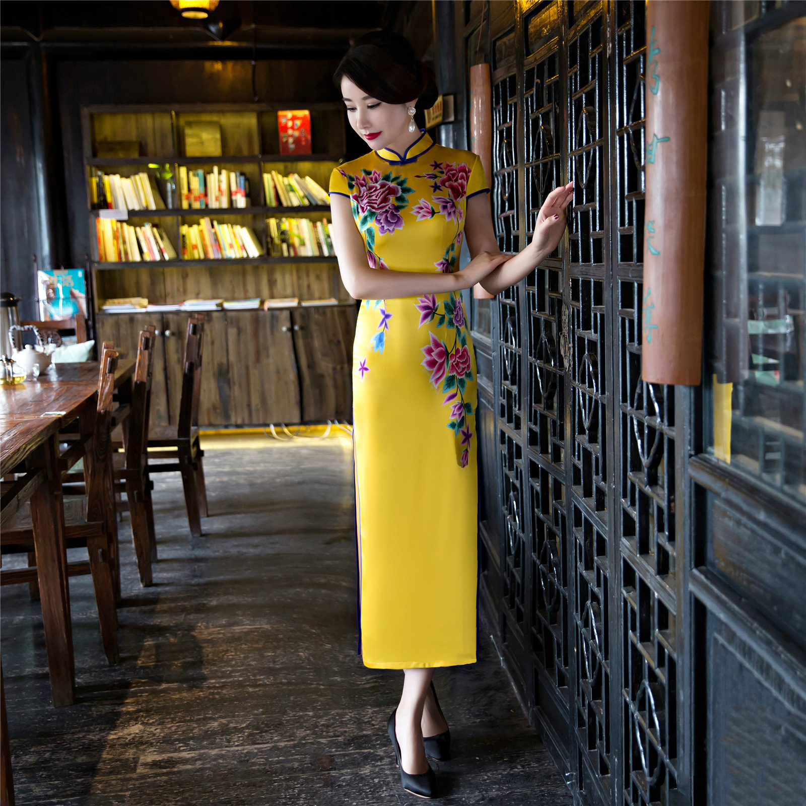 100% Waar Plus Size Xxxl Cheongsam Jurk Chinese Qipao Bruiloft Moderne Lange Mouw Zijde Vrouwen Jurk In Geel Voor Vrouwen Met Borduurwerk