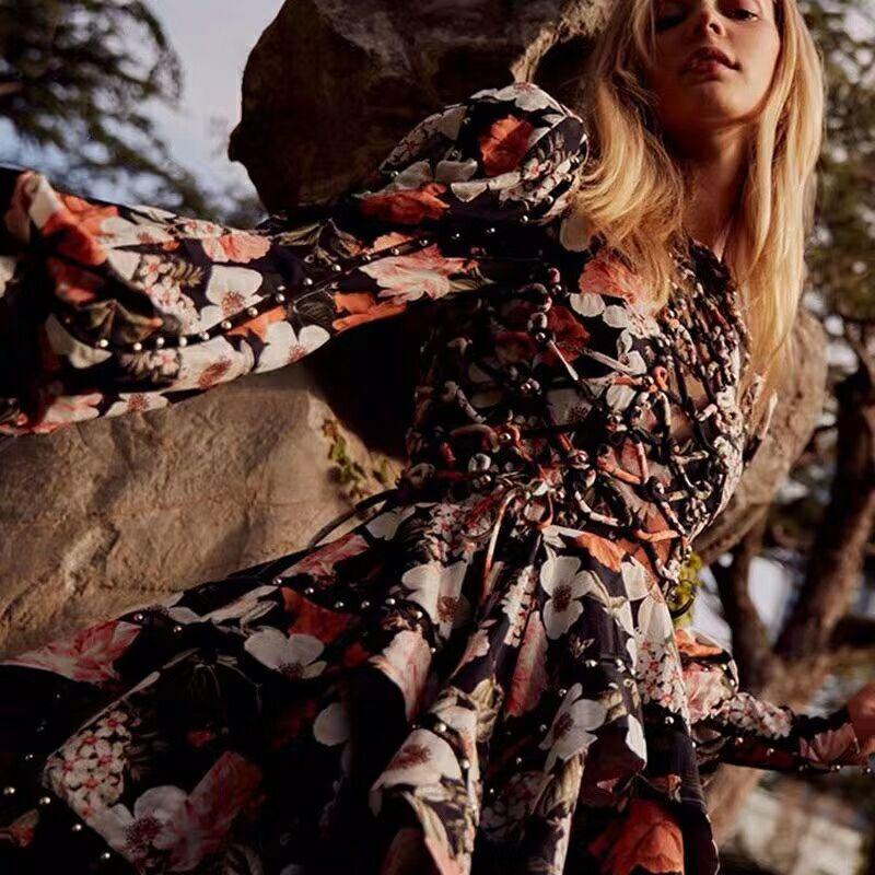 Haute qualité Vintage évider perlée à lacets Pltead femmes Mini robe