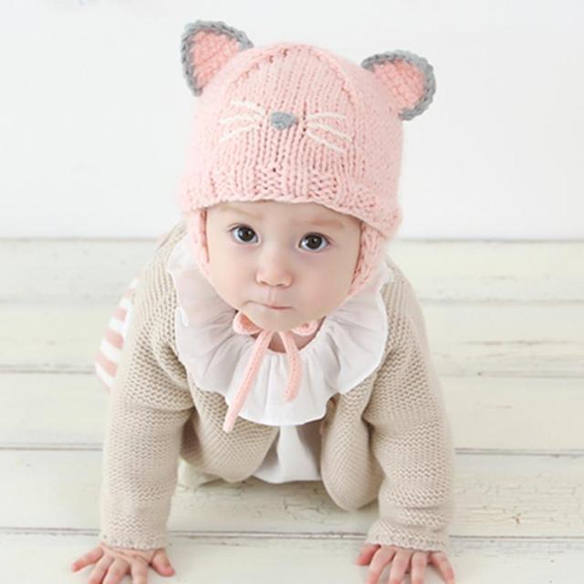 Mode Infantile Bébé Filles Chapeau Casquettes Enfants Automne Hiver Doux et Chaud  chapeaux Belle Chat Tricoté 7e9961f1ac0