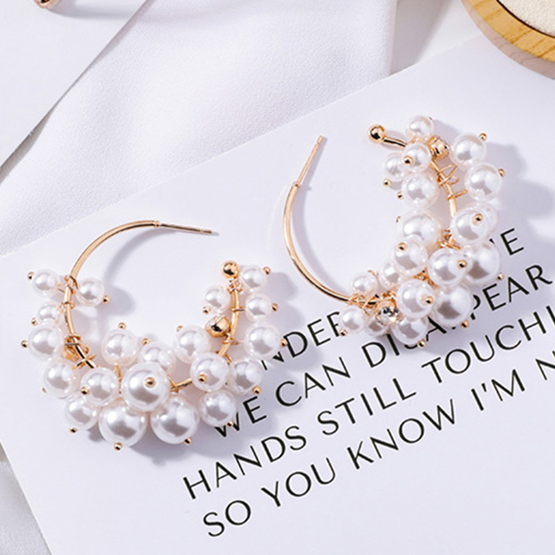 Dira Shell Pearl Color White Earrings