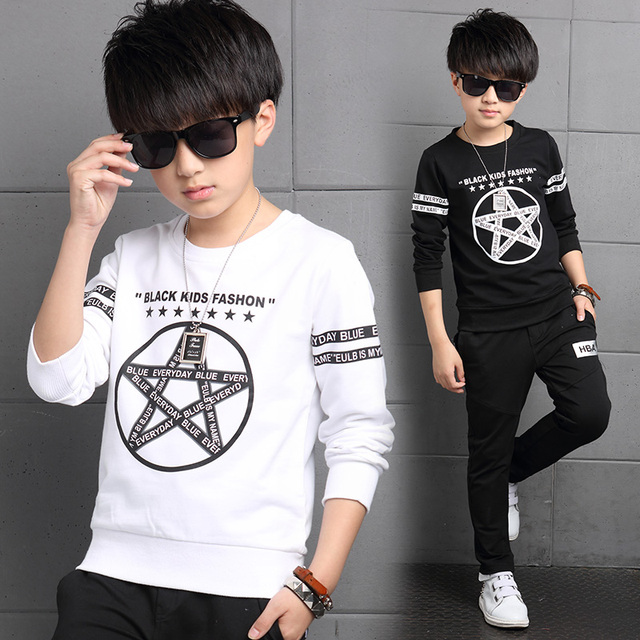 2017 spring and autumn fashion classic children's cotton T-shirt boy in the big five-pointed star letters wild base T-shirt
