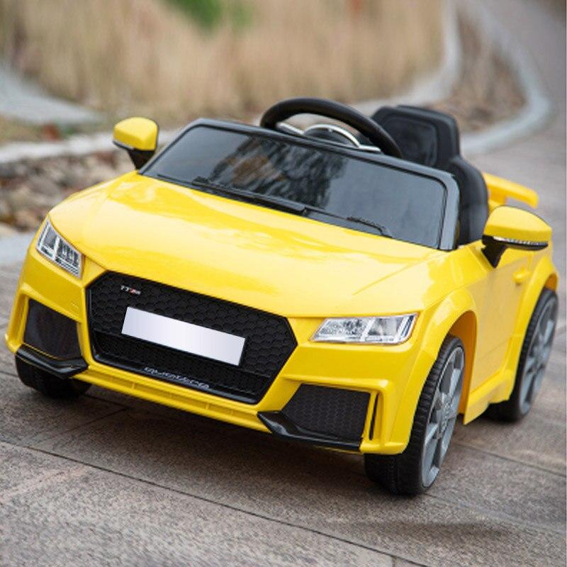 Fonction de balançoire de voiture de sport électrique pour enfants pour donner aux enfants le meilleur cadeau voyage simple avec bébé